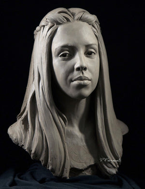Clay Portrait of Savanna by sculpting instructor Philippe Faraut