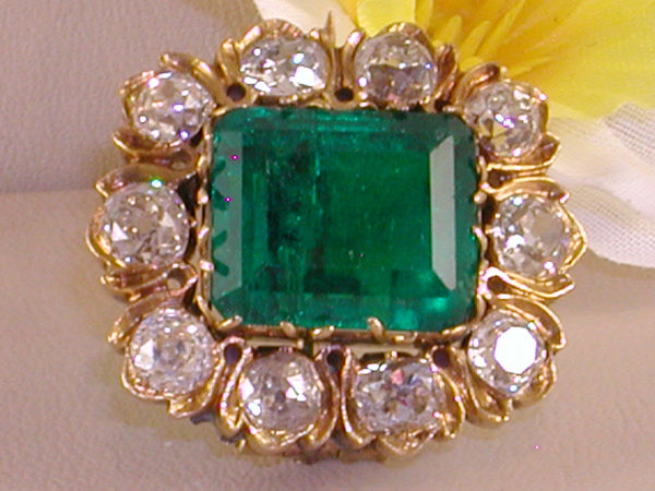 Antique Diamond &  Emerald Brooch 18th Century - Total Weight : 13,92 ct.