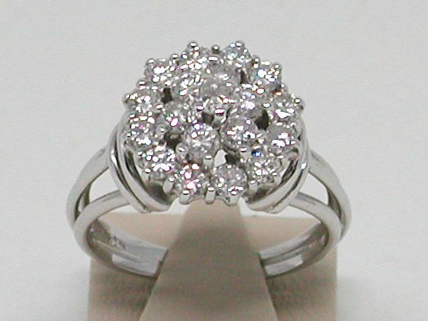 Diamond Cluster Ring 1,33 ct - 18 Kt White Gold