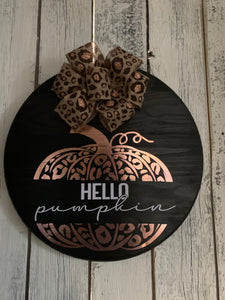 Elizabeth Round Pumpkin Sign