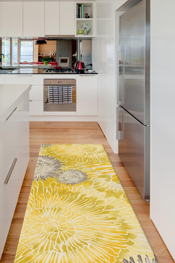 Machine Washable 2.5'x7' Chrysanthemum Yellow Rug