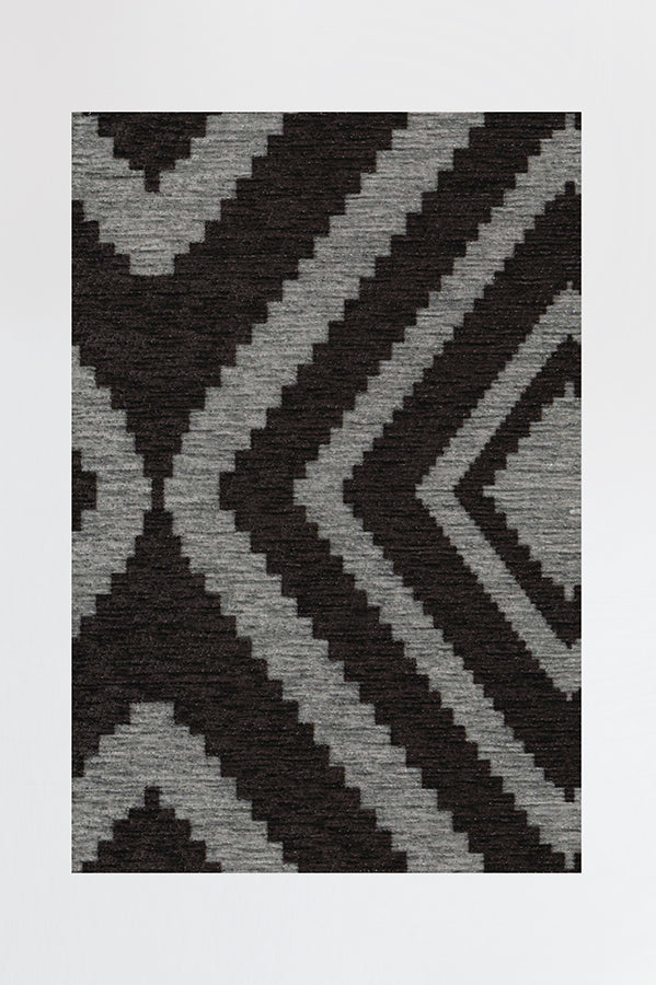 Machine Washable 2.5'x7' Diamond Black Rug
