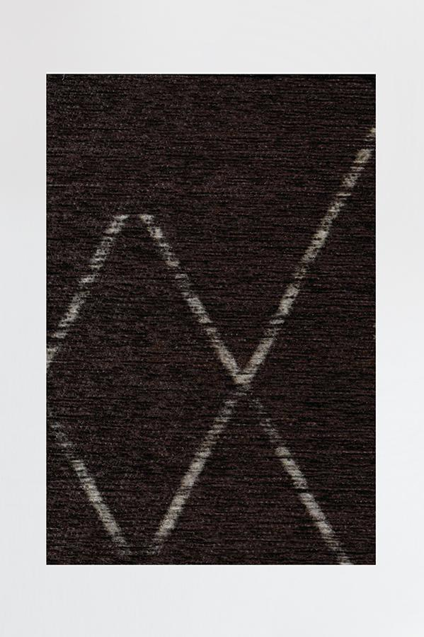 Machine Washable 2.5'x7' Diamond Dalia Black Rug