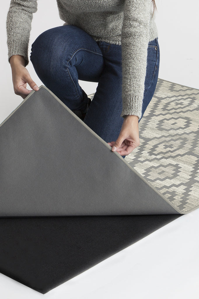 Machine Washable 2.5'x7' Diamond Trellis Grey Rug