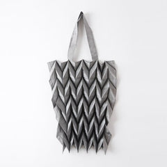 "NUNO Bag: ""New Sputtering Gloss Origami"" (Silver)"