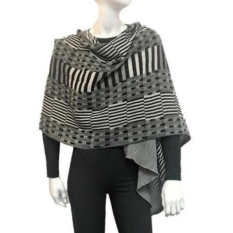 "NUNO One-Armhole Shawl: ""Rice Stubble"" (Black/White)"
