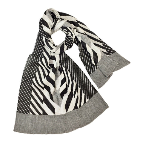 "NUNO Shawl: ""Arrow Feathers"" (Black/White)"