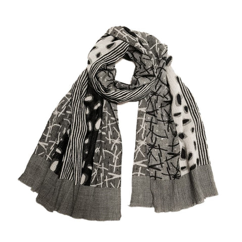 "NUNO Shawl: ""Watayuki"" (White/Black)"