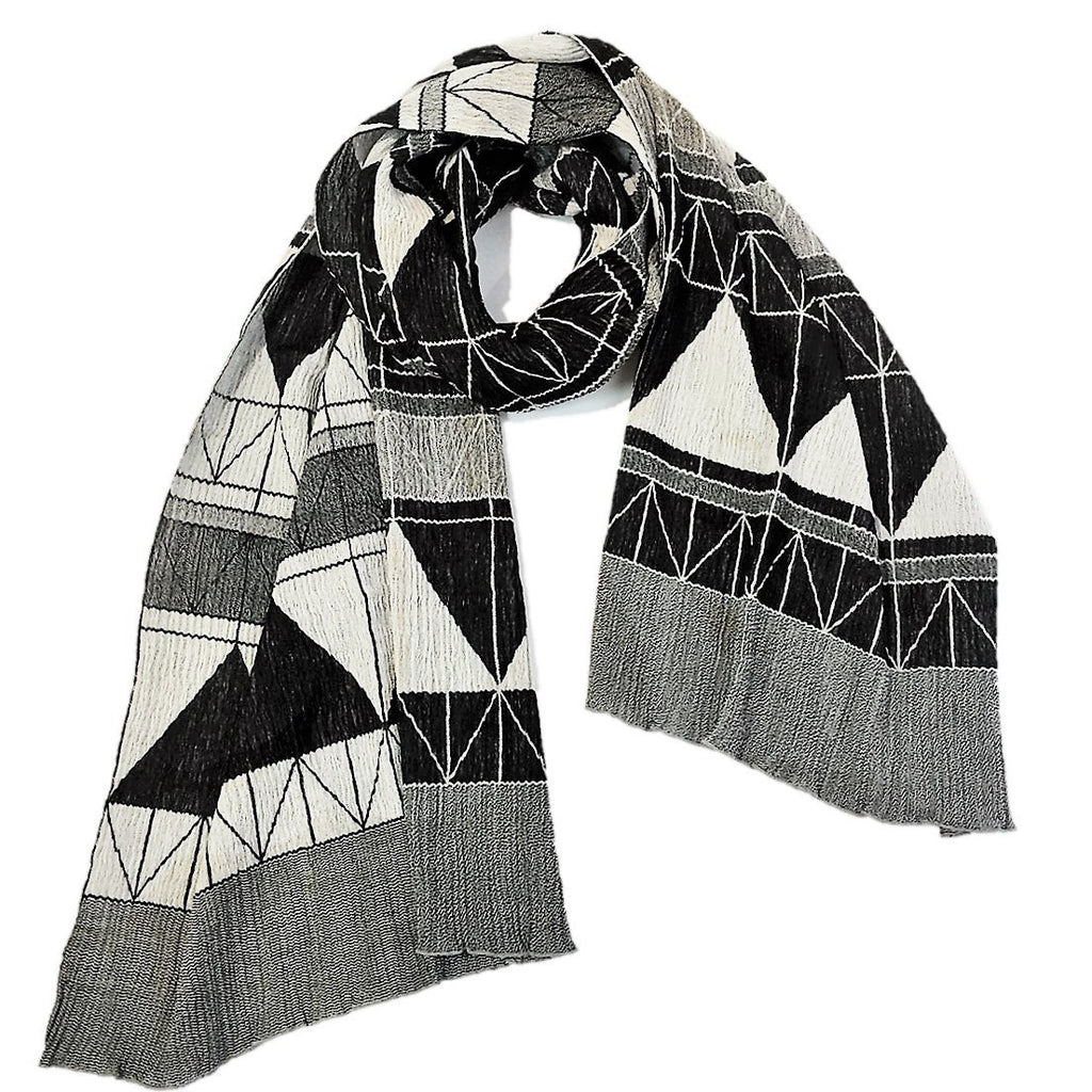 "NUNO Shawl: ""Fold Away"" (White/Black)"