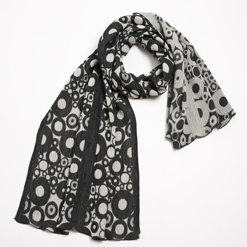 "NUNO Shawl: ""Tires"" (Gray/White)"