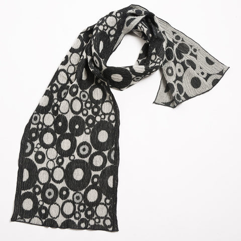 "NUNO Narrow Shawl: ""Tires"" (Gray/White)"