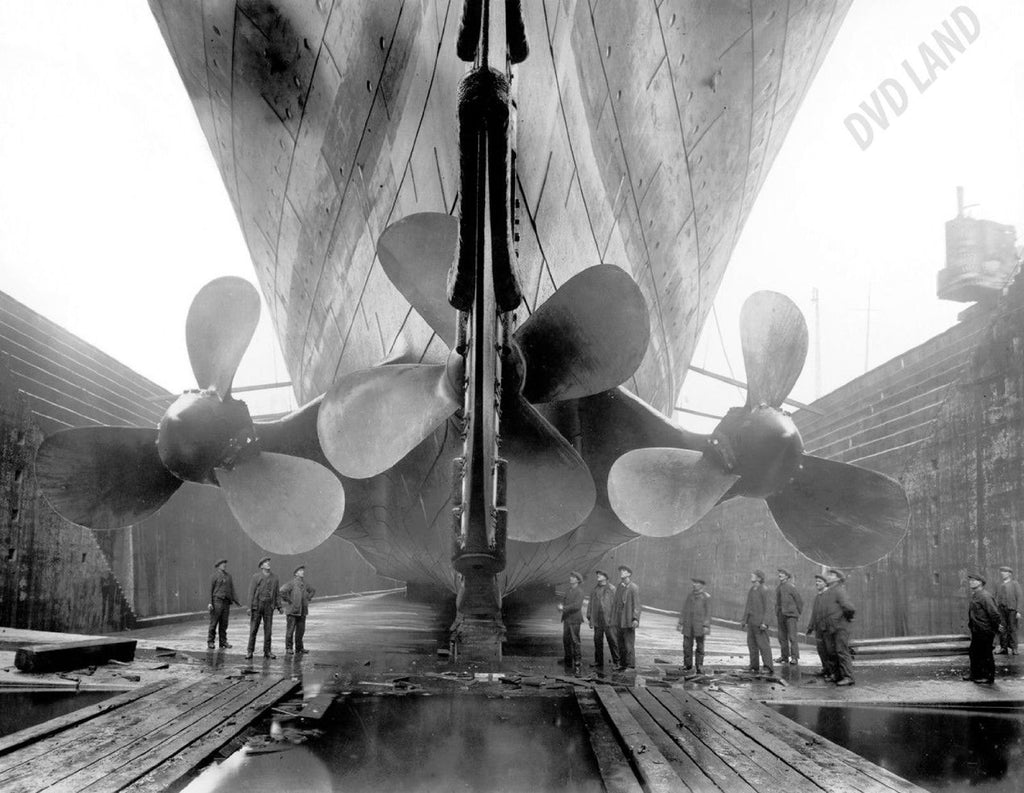 RMS Titanic Propellers Photo 1911 Next To Workers 8 x 10 High Quality