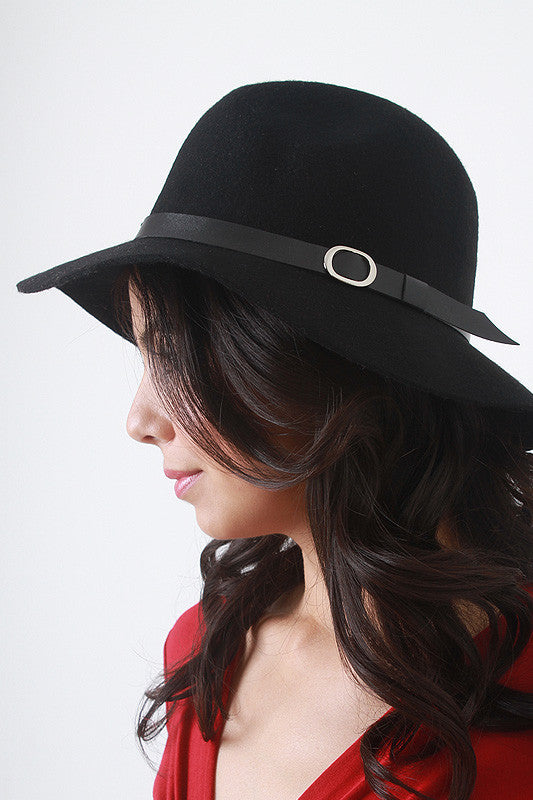 Leatherette Strap Floppy Hat