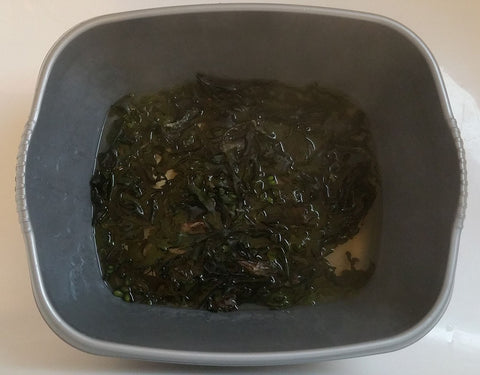 seaweed releases its gel when soaked in hot water