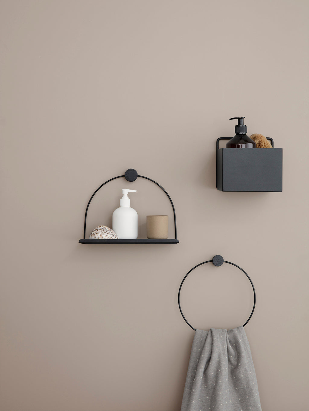 Ferm Living Bathroom Shelf - Black - 2