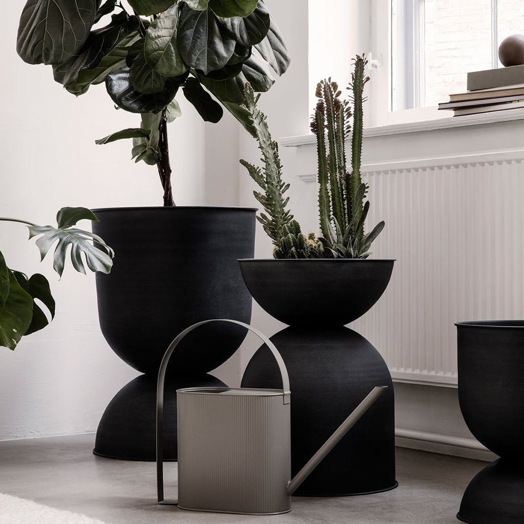 Ferm Living Hourglass Pot - Black - 4