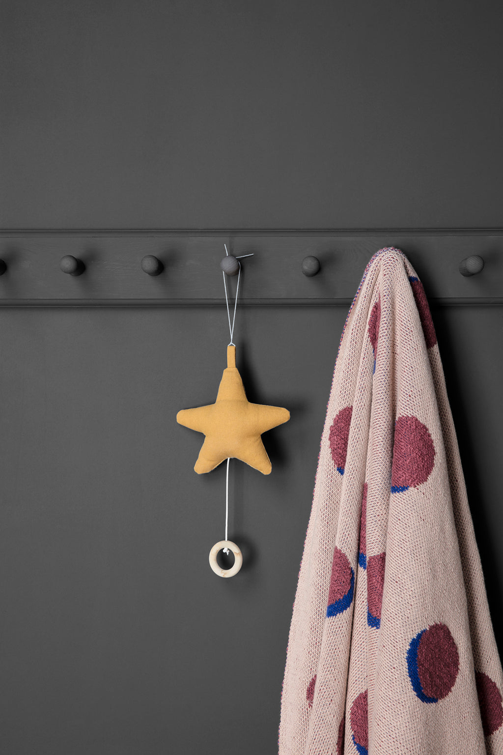 Ferm Living Star Music Mobile - Mustard - 2