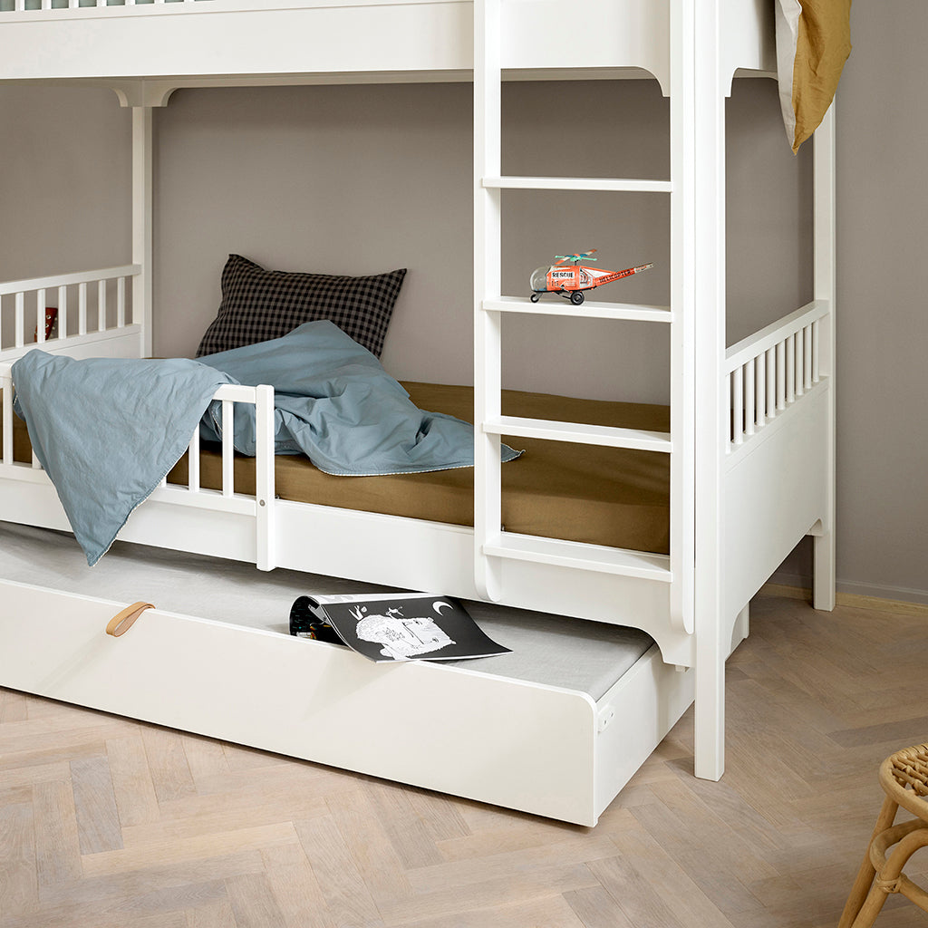 Oliver Furniture Seaside Bunk Bed with Vertical Ladder White - 4