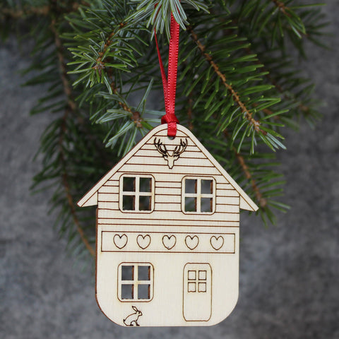 5 x Chalet Tree Decorations / Gift Tags