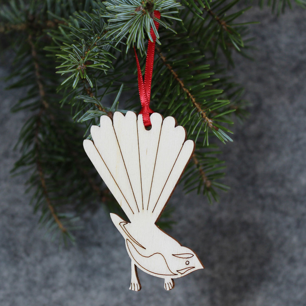 5 x Fantail Tree Decorations / Gift Tags