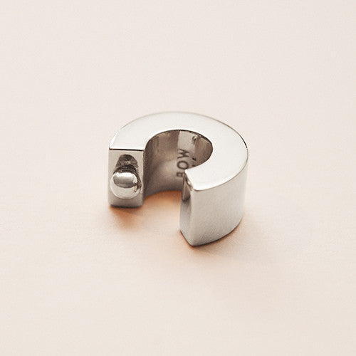 BOW LABEL - ALMITRA EARCUFF - STATEMENT EARRING - NO PIERCING - RHODIUM PLATED SILVER