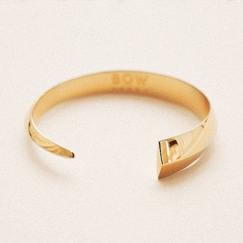 Bow label epee cuff bracelet 24-karat gold plated solid silver