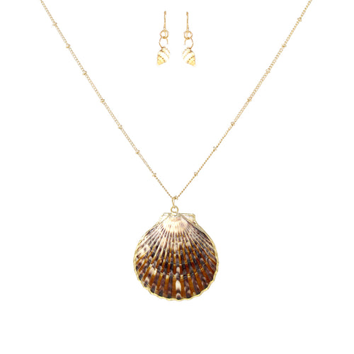 Shell Pendant Short Necklace