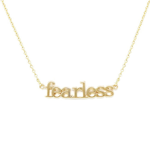 FEARLESS Message Short Chain Necklace