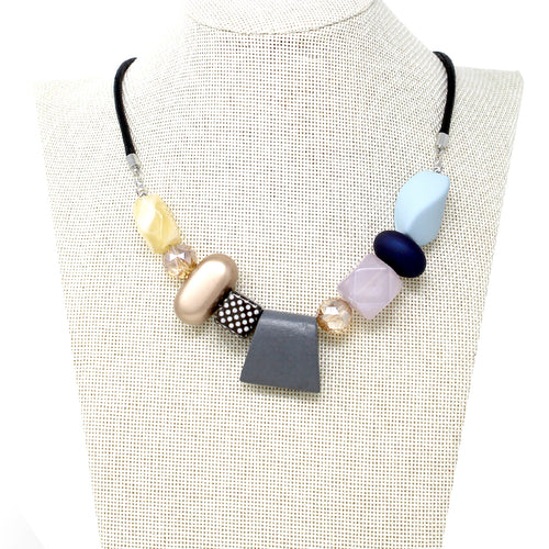 Geometric Shape Wood With Acetate Beaded Short Necklace