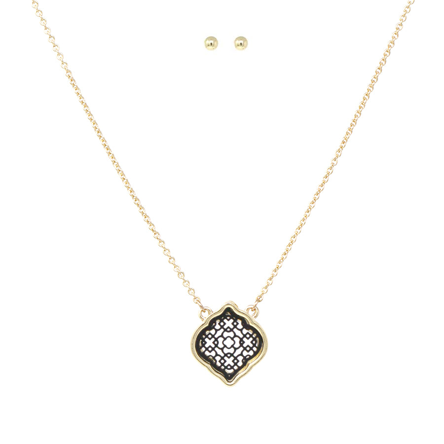 Moroccan Shaped Two Tone Filigree Pendant Short Necklace