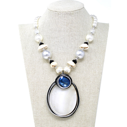 Natural Shell Pendant With Pearl Beaded Short Necklace