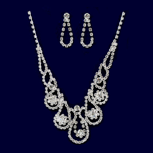 Rhinestone Floral Lace Necklace Set