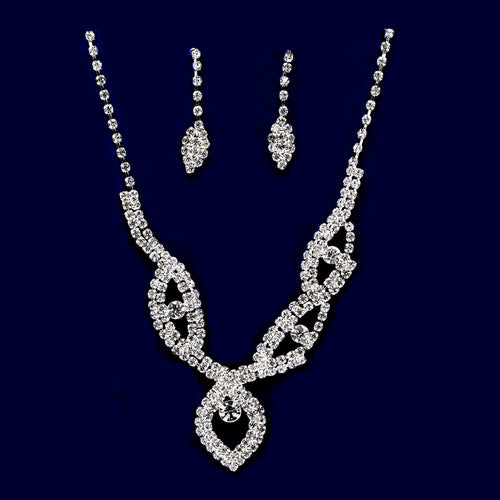 Rhinestone Leaf Shape Necklace Set