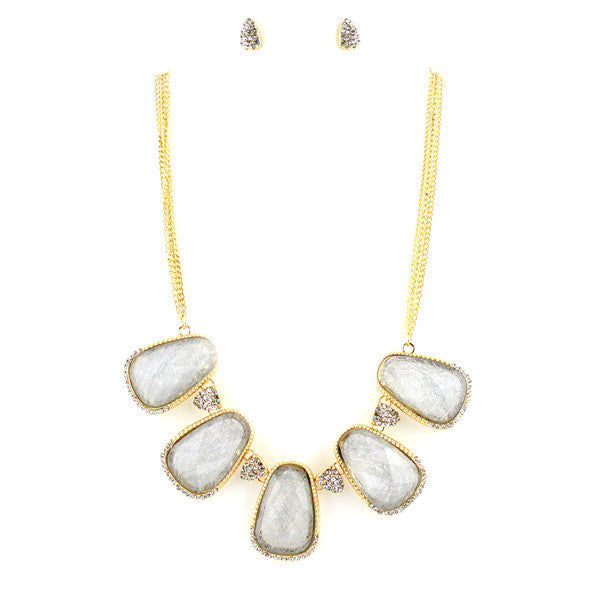Snow Effect Thread Collar Necklace