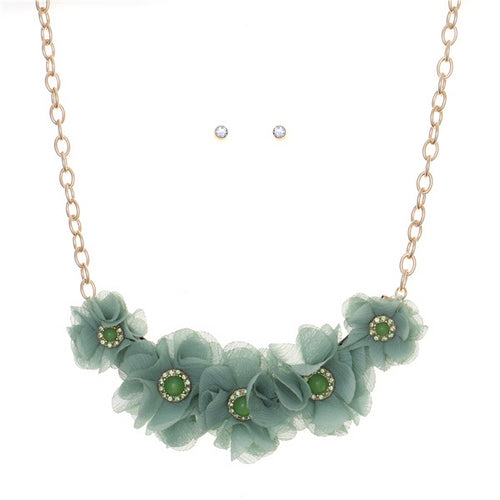 Fabric Flower Wreath Short Collar Necklace