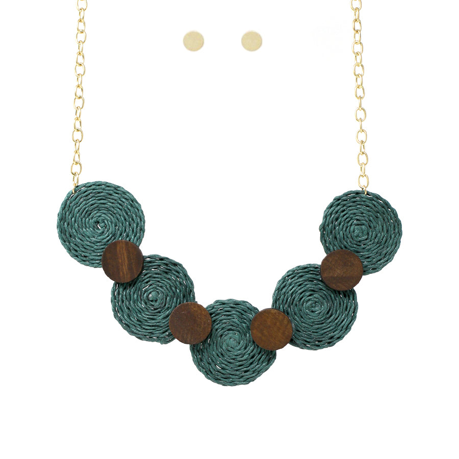 Color Straw Disc With Wood Disc Short Necklace