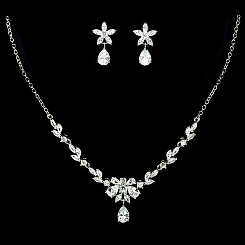 Marquise Cubic Zirconia Paved Vine Leaf Necklace Set