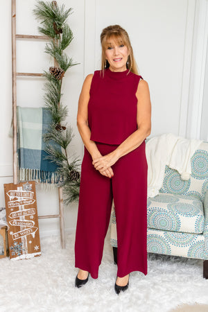 Sleeveless Mock Neck Jumpsuit (wine)