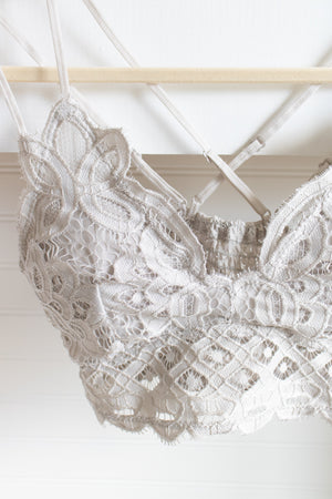 Scalloped Lace Bralette (dove)