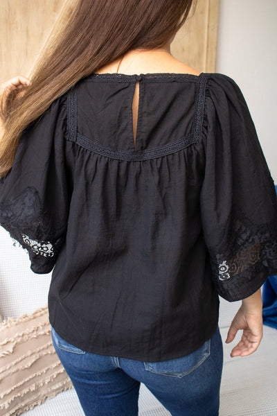 Floral Lace Bell Sleeve Top (black)