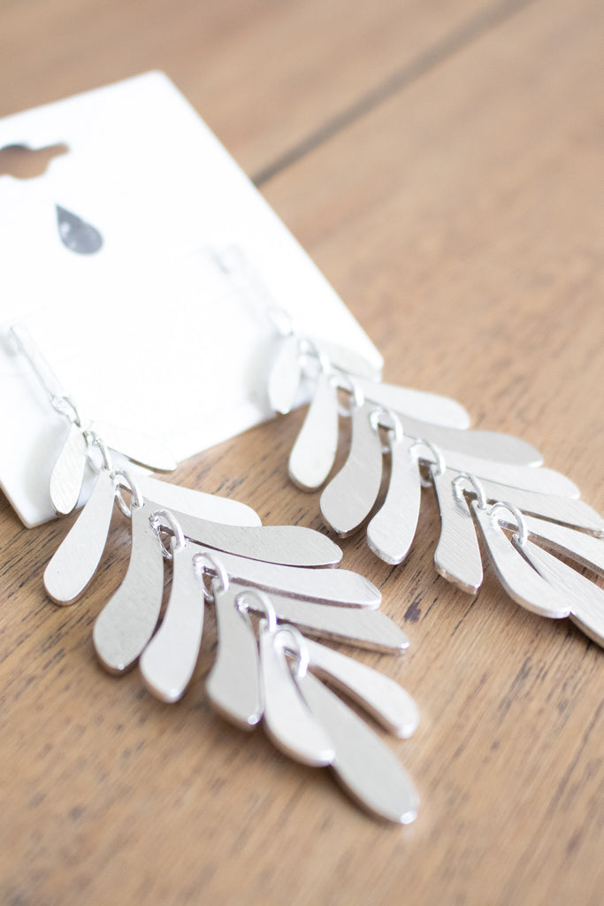 Leaf Drop Earrings (silver) - Calico's Boutique