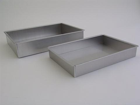 Crown's rectangular cake pans