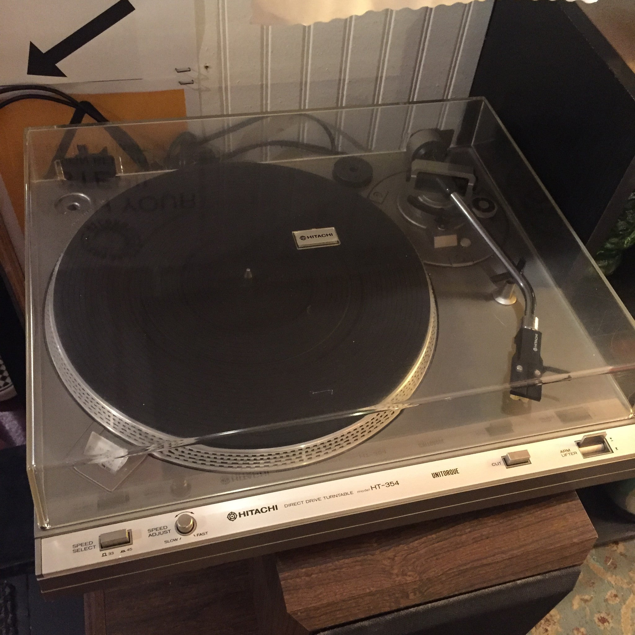 Hitachi HT-354 Direct Drive Turntable - Fully Restored