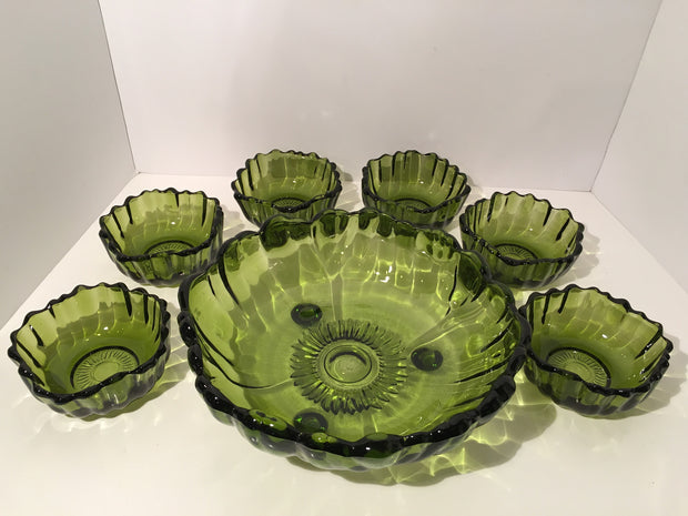 Retro Green C Bowl wt Matching 6 Small Bowls