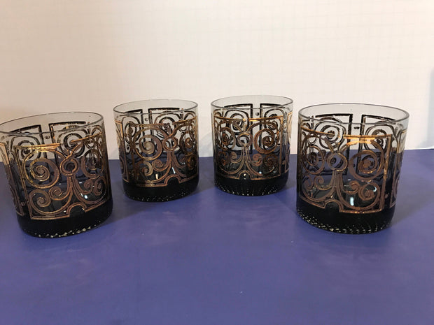 VTG Martini Pitcher with 4 Matching Glasses Gold Scrolling