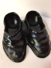 "Syroco Wood Figurine   Pair of Mens Shoes/Slippers Hand painted Black 1940s  5 1/4"" x 4 1/2"" Collectible"