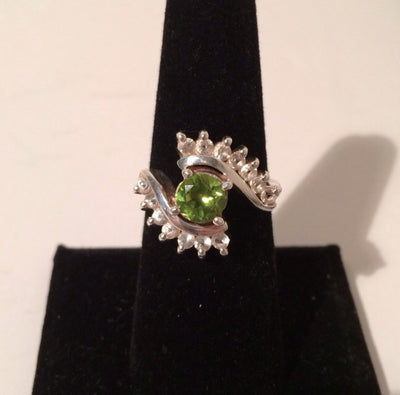 Sterling Silver 925  Bright Peridot Gem w/14 small Cubic Zirconia