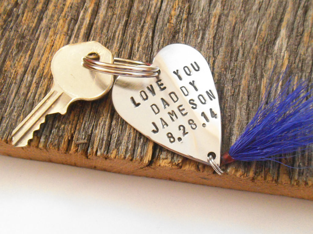 I Love You Daddy Keychain for Dad Metal Key Ring for Fathers Day Fishing Lure Gift for New Parent Mom of a Baby Boy Girl Name and Date Mommy