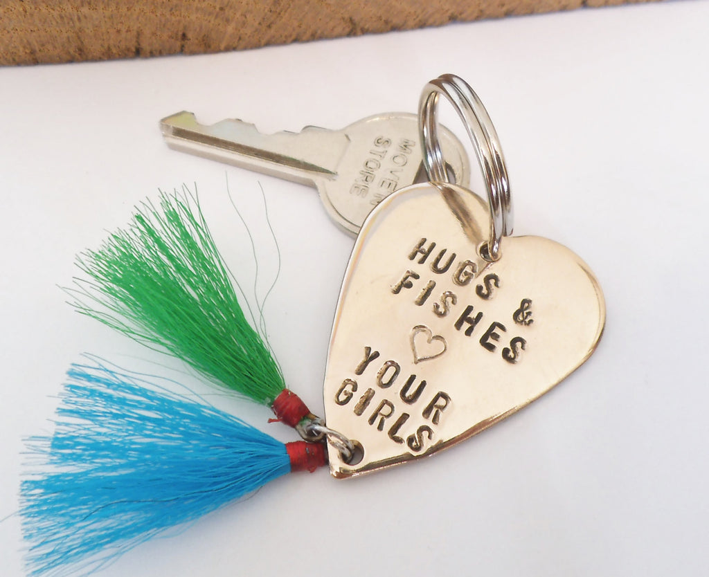 Daddy Gift for Christmas Father Daughter Fishing Lure Keyring Dad Hugs and Fishes Love you Da Da Keychain for Men Birthday Dad of Girls Twin