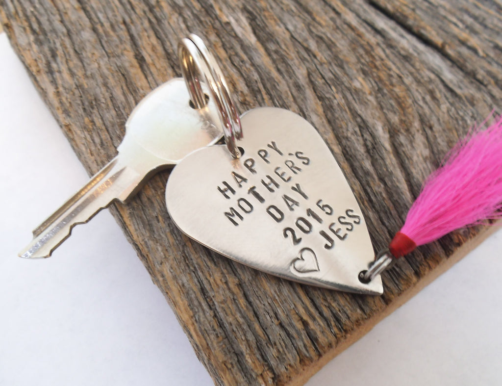 Mothers Day Keychain for Mom and Me Gift Idea for Grandma Key Chain for Her Birthday Gift Fishing Lure Keyring for Women Jewelry Hot Pink